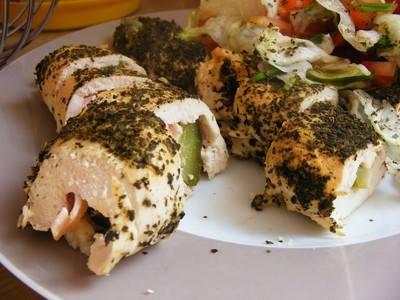 Roladki z kurczaka z korniszonem